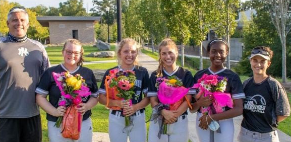 2020-softball-seniors